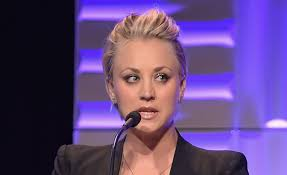 why did kaley christine cuoco sweeting cut her hair kaley cuoco plans to grow out her hair