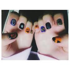 instagram dara shows off her halloween inspired nail art u201chappy