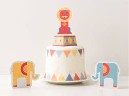 circus cake toppers 10 adorable cake toppers part 2 tinyme