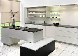 carrelage cuisine blanc cuisine blanche avec plan de travail noir 73 idées de relooking