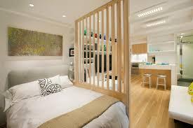 amenager chambre dans salon 10 solutions originales pour aménager un coin lit dans un studio