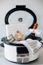 what gift to give at a bridal shower great bridal shower gift basket check out more of our favorite