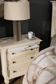 Ashby Bedroom Furniture Four Traditional Bedroom Set In Patina White Mathis
