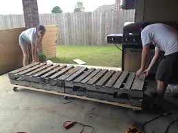 Patio Pallet Furniture Plans by First Things First Pallet Furniture Part Uno The Sweet Life