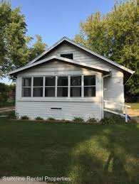2 Bedroom Apartments In Rockford Il Houses For Rent In Rockford Il Hotpads
