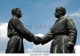 handshake sculpture stock photos u0026 handshake sculpture stock