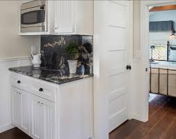 White Paint Color For Kitchen Cabinets by White Kitchen Cabinet Paint Color Benjamin Moore White Dove Oc 17