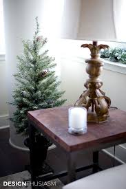 Home Decorating Ideas For Christmas 12 Easy Holiday Decorating Ideas For A Small Apartment