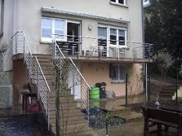 balkon mit treppe außengeländer metall enorm in form trier