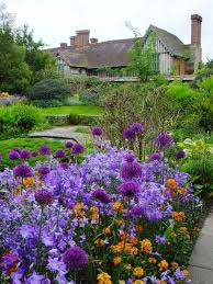 Flowers For Backyard by Truly Amazing Bell Flowers For The Cottage Garden Serenity