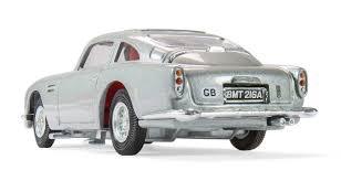 amazon com corgi james bond 007 aston martin db5 vehicle toys