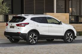 nissan juke 2018 nissan qashqai updated for 2018 gains advanced safety tech