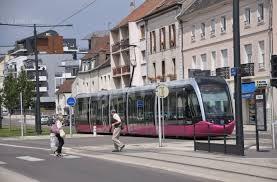 chambre des notaires dijon dijon tramway à dijon le marché de l immobilier à la loupe