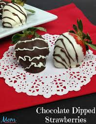 dipped strawberries chocolate dipped strawberries are easy to make at home
