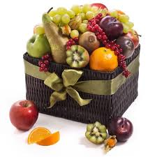 fruit delivery gifts best 25 fruit hers ideas on christmas food hers