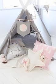 tente fille chambre 15 idées pour créer un tipi dans une chambre d enfant tente tipi