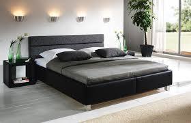 bett modern design modern bett schlafzimmer und garderobe modern