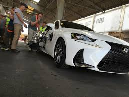 lexus lfa kuwait dentsu and bang tv create action packed car chase for lexus