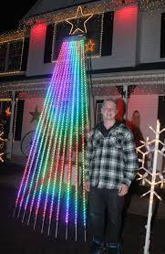christmas light display synchronized to music strongsville christmas display raises money for juvenile diabetes