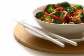 comment cuisiner les poivrons rouges recette de sauté de brocolis et de poivrons rouges rapide