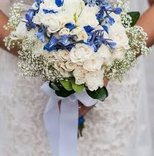 wedding flowers blue blue and white diy wedding flowers real wedding