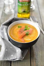 comment cuisiner les coings soupe aux coings et à la citrouille recette soupe entrées