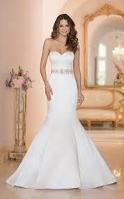 Discount Vintage Wedding Dresses U0026 Bridal Gowns Queen Of Victoria Best 25 Satin Wedding Gowns Ideas On Pinterest Satin Wedding