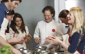 cours de cuisine groupe cours de cuisine groupe à l atelier des chefs péclet à 75015