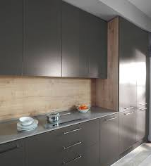 renover meubles de cuisine relooker un meuble de cuisine nos 8 conseils pratiques côté maison
