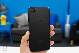 matte black iphone 7 users say their paint is easily chipping
