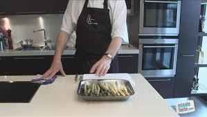 cuisiner asperges comment éplucher des asperges minutefacile com