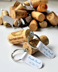 wedding favor keychains 24 diy wedding favor ideas diy projects craft ideas how to s for