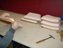 refaire l assise d une chaise l artisan tapissier à angers gérénov