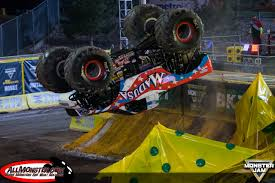 monster jam madusa truck monster jam world finals xvii photos saturday freestyle