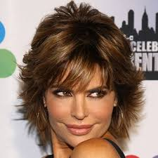 what is the texture of rinnas hair hairstyles to look younger lisa rinna hairstyles inspiration for