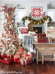 Decorated Homes 40 Cozy And Cheerful Homes Decorated For A Snowy Christmas