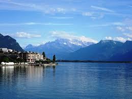 La Suisse Un Developpement Impressionant Le Lac Lé Offre Un Paysage Naturel Magnifique Et Impressionnant