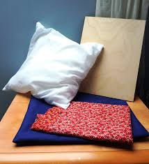Diy Lap Desk Easy Diy Laptop Tray Keep Your Laptop And Legs Comfy The