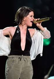 maren morris performs at 2017 cma music festival nightly concert