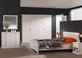 chambre de garde meubles lardot photo 1 10 chambre à coucher avec garde robe et