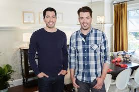 Drew And Jonathan Catch Property Brothers Drew And Jonathan Scott At Orchard Supply