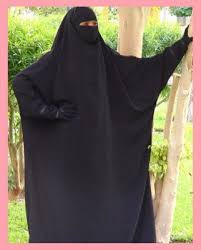 beautiful muslimah underneath the veil and into the muslim
