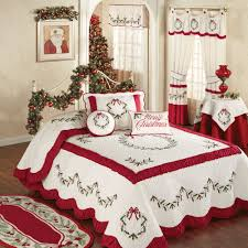 Oversized Quilted Bedspreads Holly Wreath Quilted Oversized Holiday Bedspread