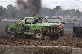 Ford Mud Racing Trucks - trucks go round in circles fetter cantor win figure 8 races