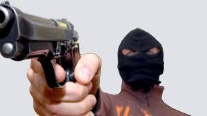 rapina in paura a pagani rapina in un supermercato