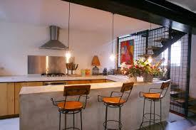 cuisine avec table cuisine avec table intégrée solutions et conseils ooreka