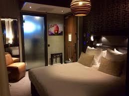 chambre d hotel amsterdam la chambre mais la faible opacité de la porte picture of