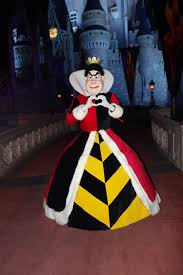 queen of hearts at mickey u0027s not so scary halloween party