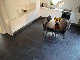 fliesen für die küche naturstein in der küche mit günstigen fliesen jonastone
