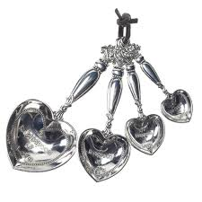 heart shaped measuring spoons 42 give new meaning to baked with